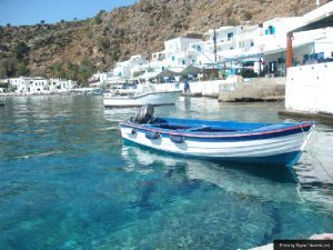 boats-in-loutro