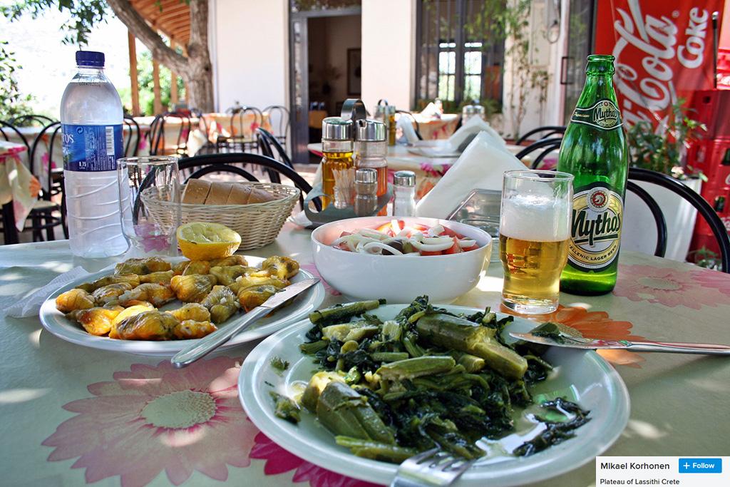 eating in lassithi
