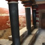 knossos palace pillars