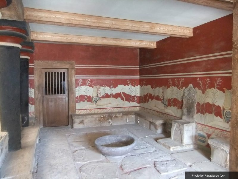 knossos throne room