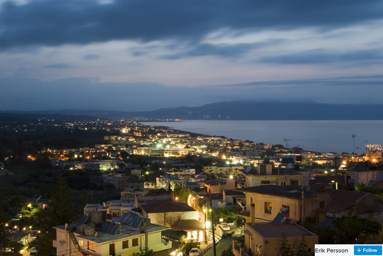 platanias at night