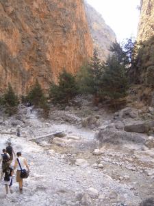 samaria gorge hiking